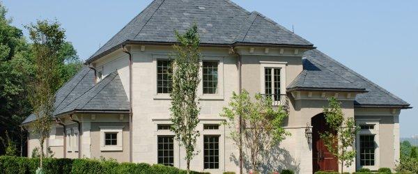 maison toit ardoise