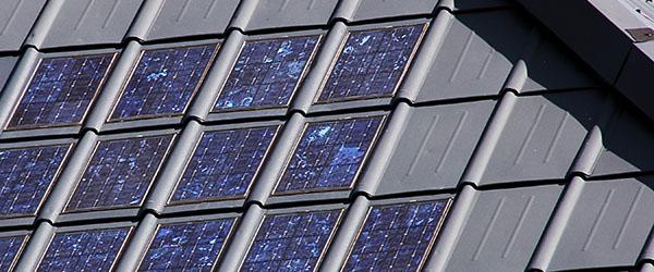 tuiles photovoltaiques grises